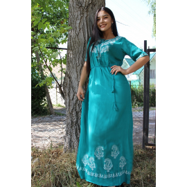 Women's dress with embroidery